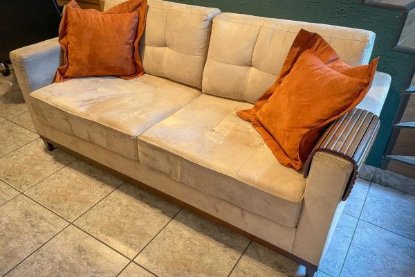 Sofa Bege (1un) 200,00